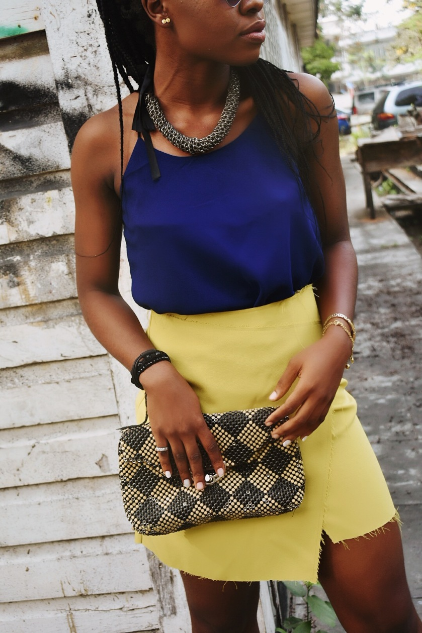 How to style a yellow skirt