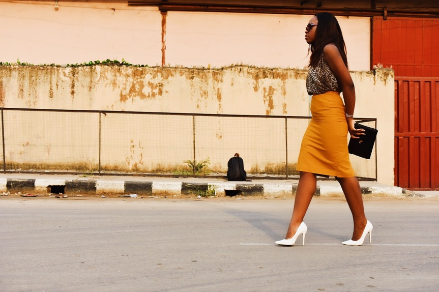Four ways to wear mustard yellow !
